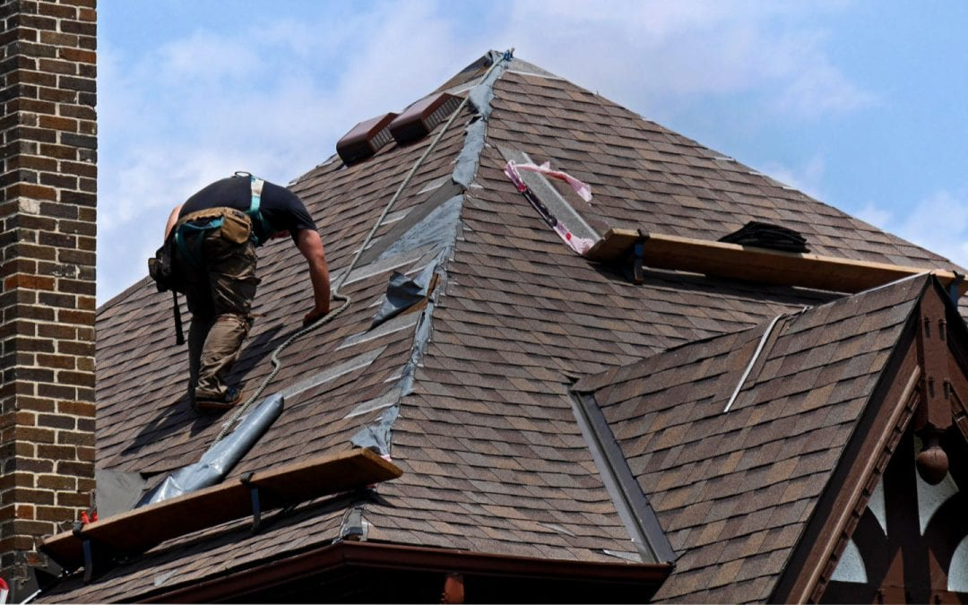 Roof Maintenance: A Homeowner's Guide to Replacing Shingles